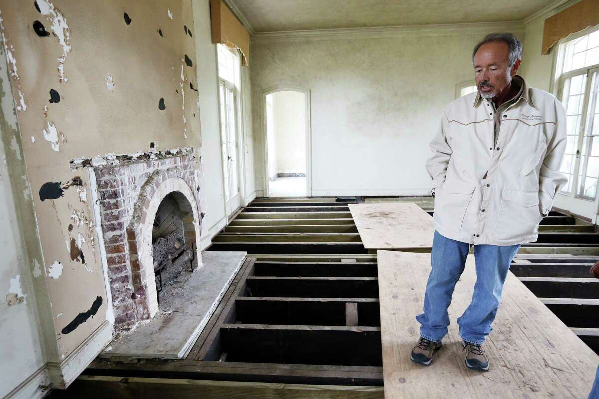 Owner Darryl Schroeder walks through the cleared Weingarten mansion in Riverside Terrace which is ready for renovations on Friday, Feb. 27, 2015, in Houston. ( Mayra Beltran / Houston Chronicle )