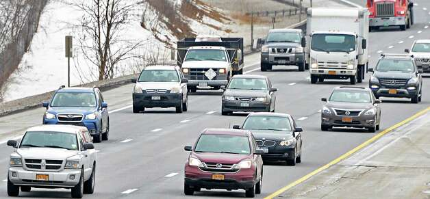 I-87 traffic heads north towards the Riverview Road overpass Tuesday, March 10, 2015, in Clifton Park, NY.  (John Carl D'Annibale / Times Union) Photo: John Carl D'Annibale / 00030965A