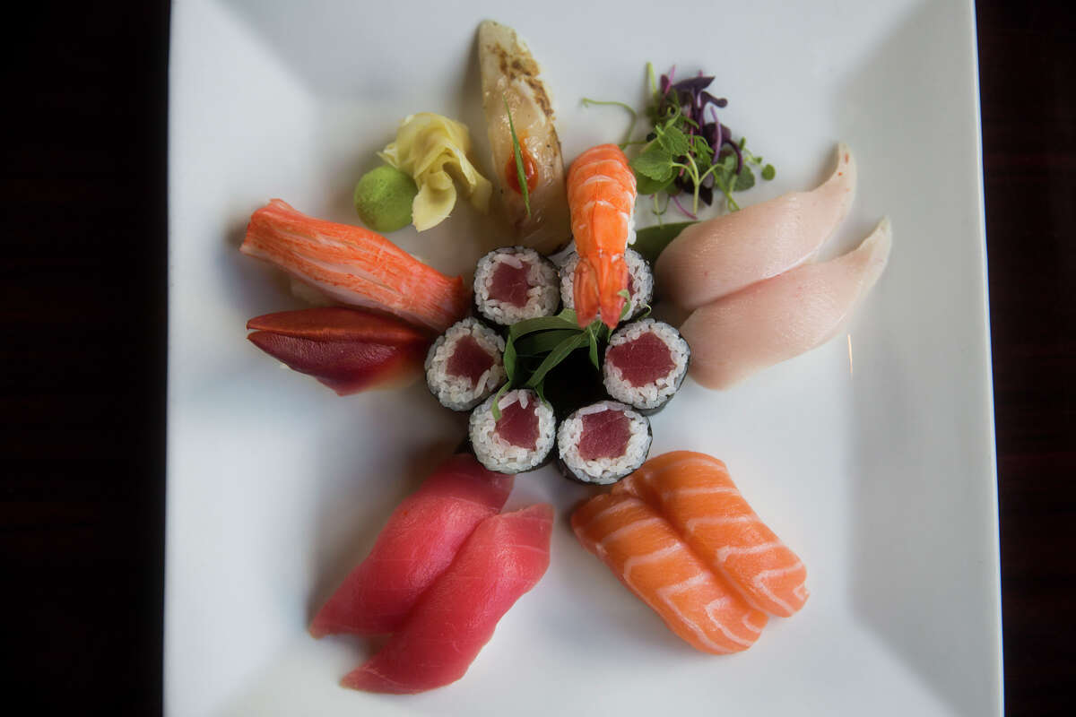 The Deluxe Sushi Dinner at Sushihana