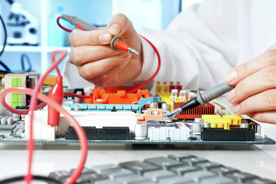 Electronics Tester Salary : Biomedical equipment technicians keep readings accurate