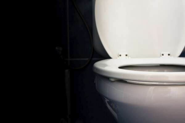Peeing all over the toilet seat and not cleaning it up (Didn't your mom teach you to aim?)