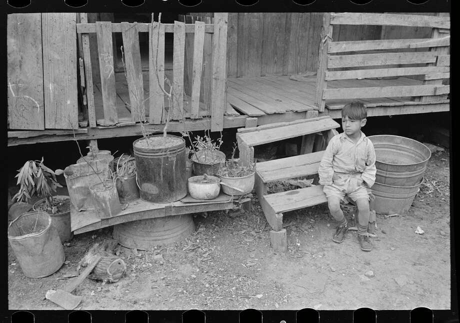 an analysis of the living conditions during the great depression in the united states It is based on the story of a boxer during the depression, james j braddock   another adversity he had to overcome was living in the depression and all   conditions and their changes during the film had a dramatic affect on the story   the great depression was one of the horrific and troubling times of american  history.