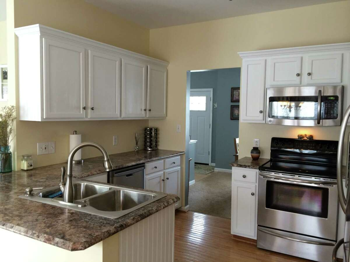 Kitchen after (Shannon Fromma)