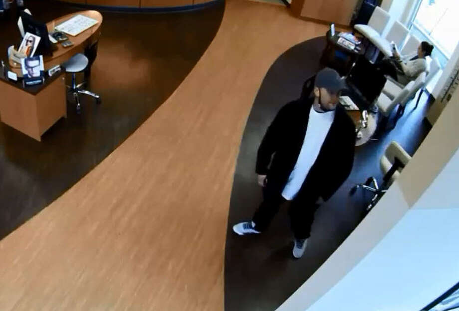 ad7269f160 Police search for serial sunglass thieves - Houston Chronicle