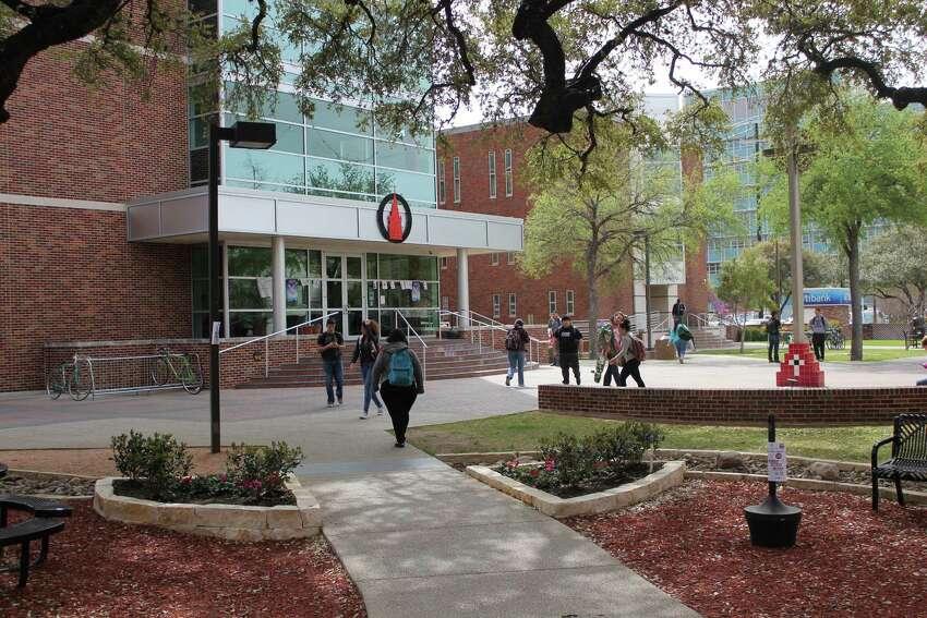 25. University of the Incarnate Word - www.uiw.edu/hr Number of job openings: 103