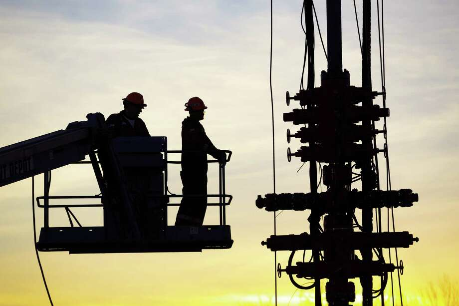 Many energy companies have said they are drilling wells but they are holding off on completions, the final step that gets oil or natural gas flowing. Photo: Ken Childress Photography / ONLINE_YES