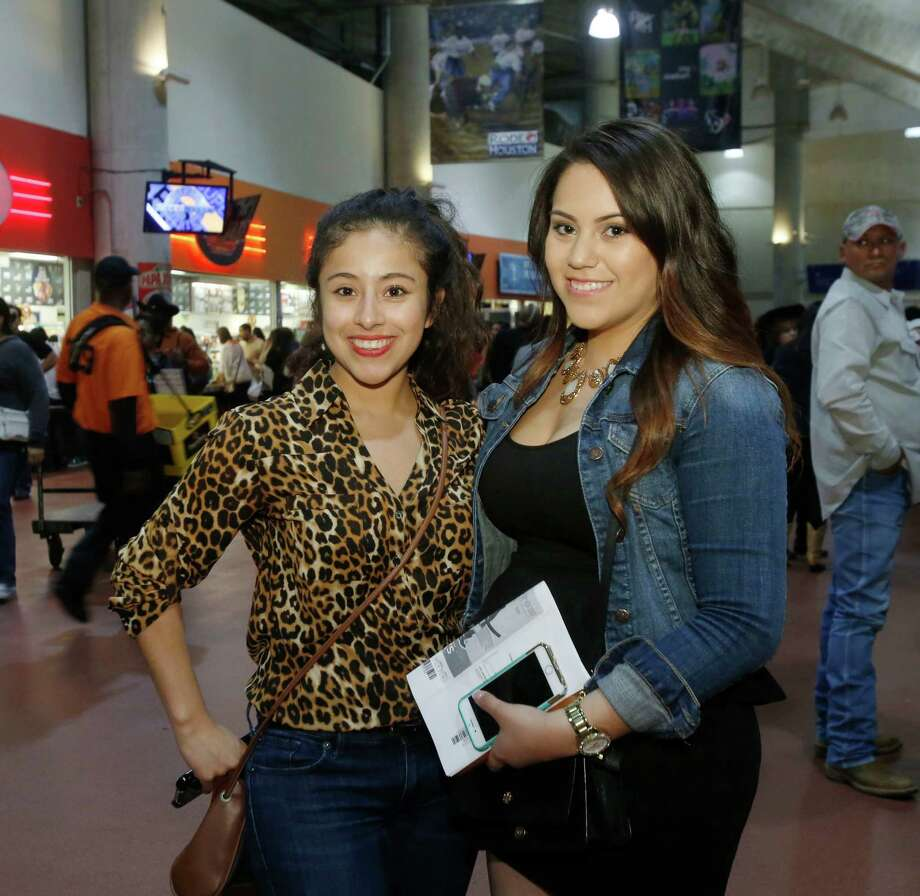 Fans at the Pitbull RodeoHouston concert on March 13, 2015. Photo: Jon Shapley, Houston Chronicle / © 2015 Houston Chronicle