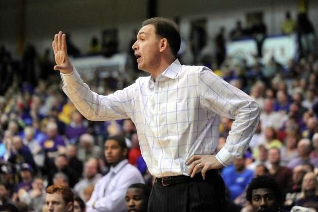UAlbany's coach Will Brown instructs his team during their America East Championship game against Stony Brook on Saturday, March 13, 2015, at UAlbany in Albany, N.Y. (Cindy Schultz / Times Union) Photo: Cindy Schultz / 00030954A