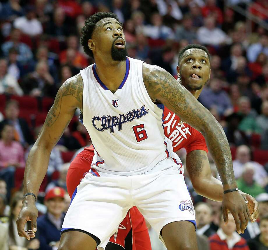 The Clippers' DeAndre Jordan will loom large today. He leads the NBA with 14.6 rebounds per game. Photo: James Nielsen, Staff / © 2015  Houston Chronicle