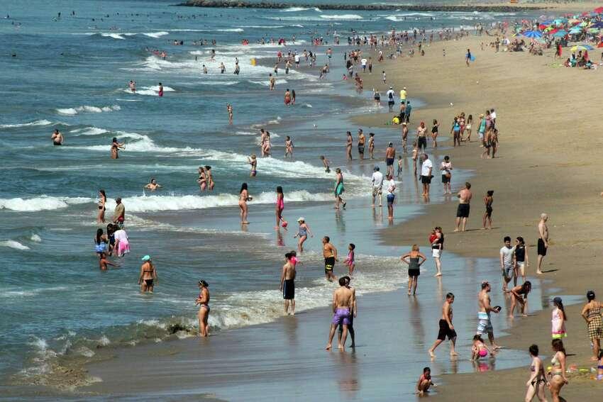13. Manhattan Beach, Calif.Overall Niche Grade: A+Public Schools: A+Overall U.S. Placement: #114