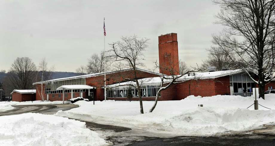 New milford board of education maintains control of for Milfords fish house