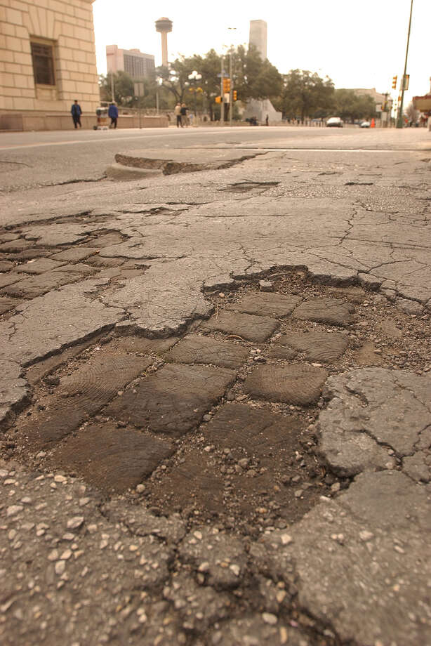 "Click ahead to see how the City of San Antonio plans to spend your tax dollars in 2018.$1.1 million will go toward ""alley maintenance"" in the proposed budget. Photo: San Antonio Express-News / File Photo / SAN ANTONIO EXPRESS-NEWS"