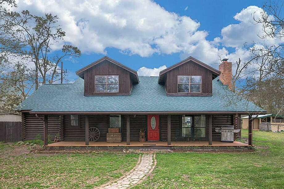 Conroe13750 Grangerland Road: $315,000 / 4 bedrooms / 3 full and 0 half bathrooms / 2,440 square feet Photo: Houston Association Of Realtors