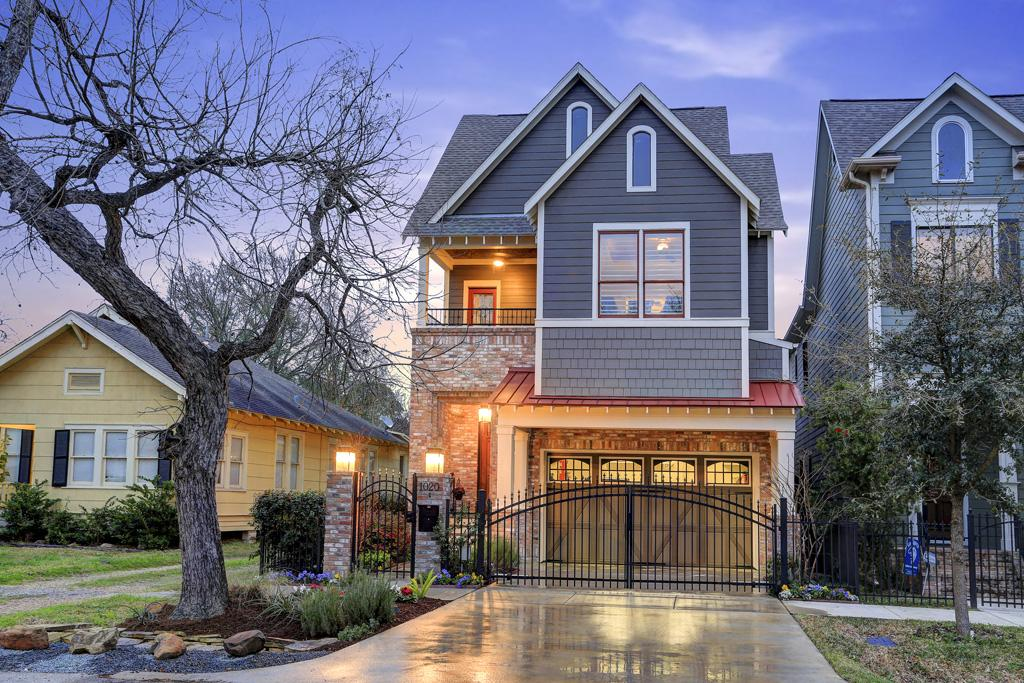 A modern country home in the heights houston chronicle for Modern houses in houston