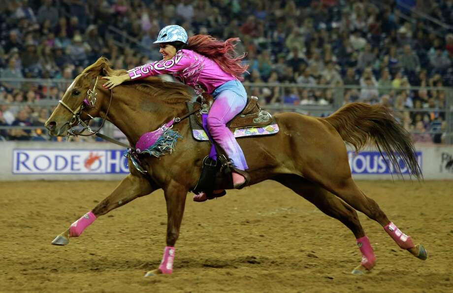 Top riders and singers perform at rodeohouston houston for Show pool horse racing
