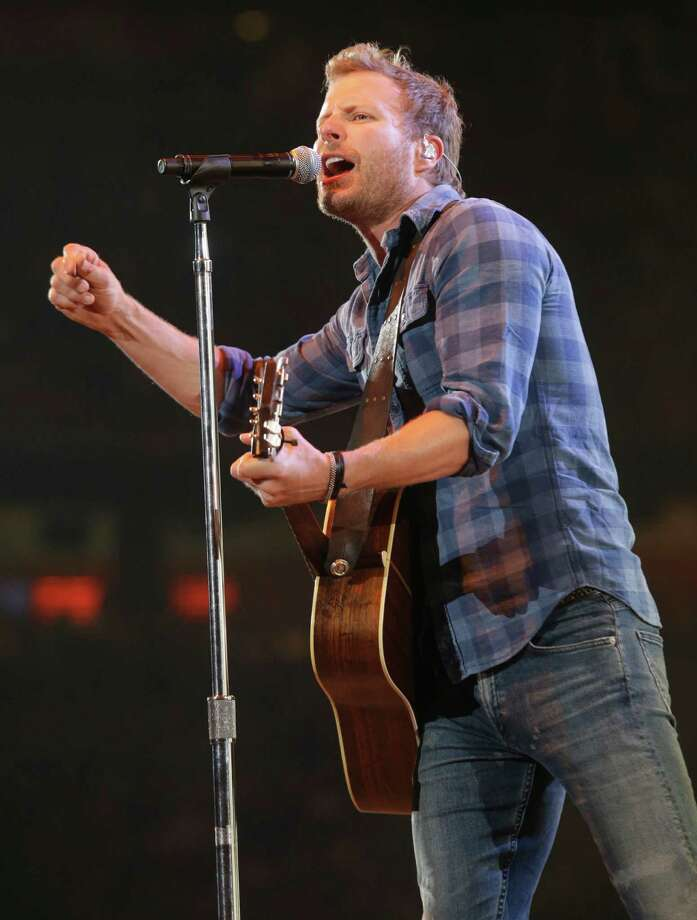 Dierks Bentley performs at RodeoHouston on March 16, 2015. Photo: Melissa Phillip, Houston Chronicle / © 2014  Houston Chronicle