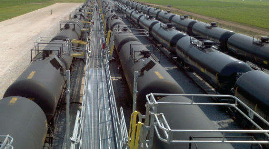 A rail terminal near Shell's Deer Park refinery will see upgrades under an agreement with Texas Deepwater Partners, a joint venture of USD Group LLC and Pinto Realty Partners.