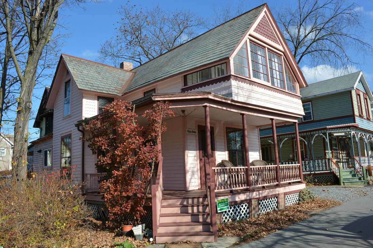 House of the Week: 13 2nd St., Round Lake   Realtor: Jennifer Vucetic of Better Homes and Gardens Real Estate, Tech Valley   Discuss: Talk about this house