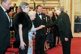Queen shakes hands (sort of) with Michael Tilson Thomas
