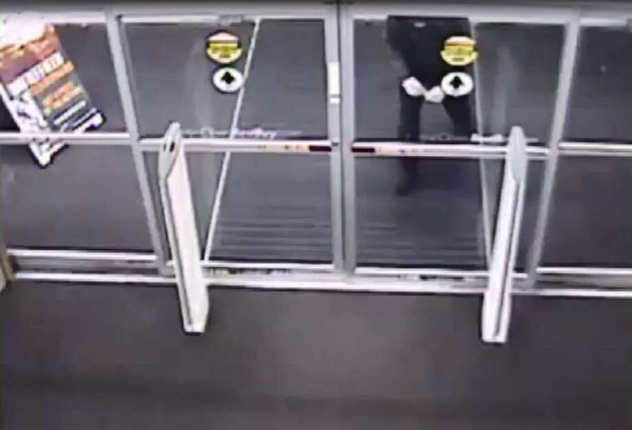 An unidentified suspect broke into a Best Buy located in Sugar Land and made off with roughly $200,000 in electronics. Photo: Sugar Land Police