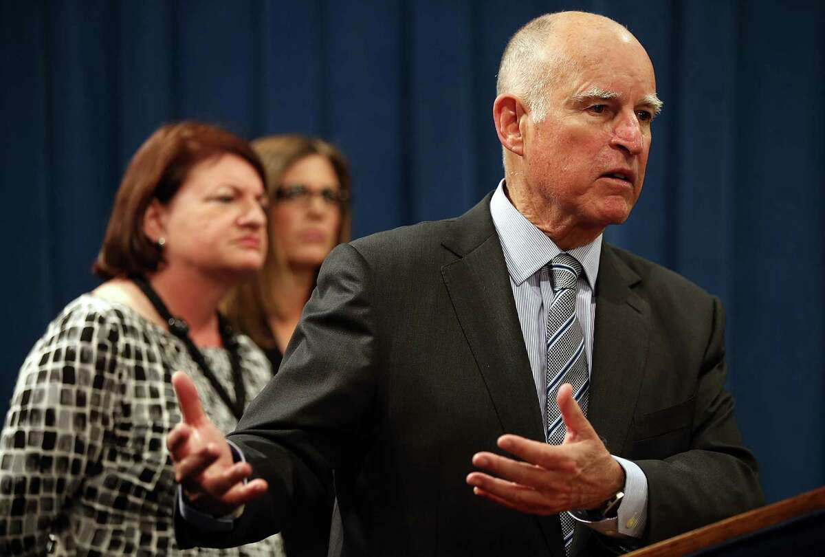 SACRAMENTO, CA - MARCH 19: California Gov. Jerry Brown (C) speaks during a news conference to announce emergency drought legislation on March 19, 2015 in Sacramento, California. As California enters its fourth year of severe drought, California Gov. Jerry Brown joined Senate President pro Tempore Kevin de Leon, Assembly Speaker Toni Atkins, Republican Leaders Senator Bob Huff and Assemblymember Kristin Olsen to announce emergency legislation that aims to assist local communities that are struggling with devastating drought. The $1 billion package is designed to expedite bond funding to help ensure that all Californians have access to local water supplies. (Photo by Justin Sullivan/Getty Images)