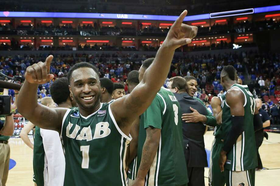 Denzell Watts enjoys the magic ride UAB is on: from fourth in C-USA to the third round of the NCAAs. Photo: David Stephenson, FRE / FR171246 AP