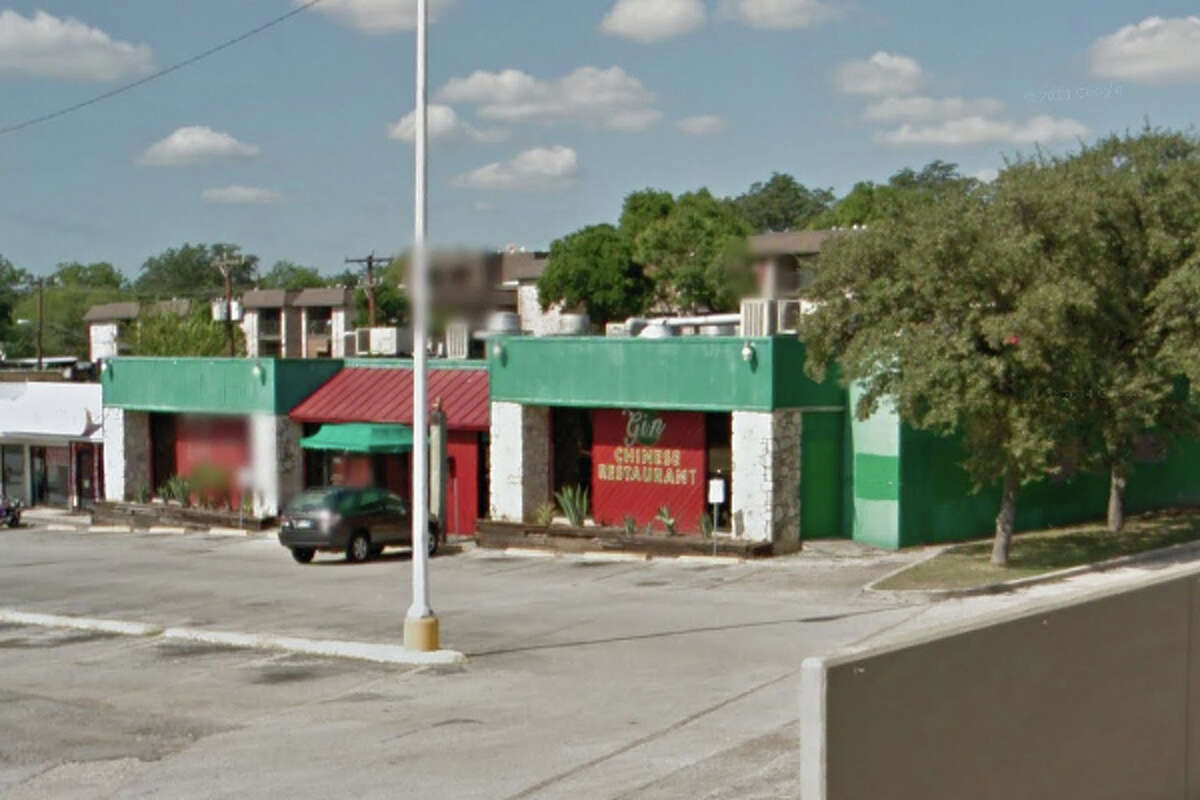 Gin Chinese Restaurant: 5337 Glen Ridge Drive, San Antonio, Texas 78229Date: 10/26/2016 Score: 70Highlights: Food not protected from cross contamination (raw chicken stored above cooked rice),