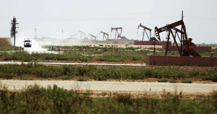An explosion in oil and gas production spawned by fracking continues to boost the Texas economy and enhance national energy security. Photo: Vernon Bryant /McClatchy-Tribune News Service / Dallas Morning News