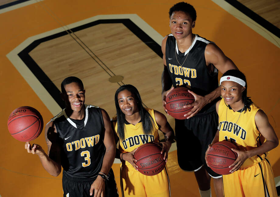 Bishop O'Dowd standout seniors who will play in Saturday's NorCal finals are Paris Austin (left), Asha Thomas, Ivan Rabb and Aisia Robertson. Photo: Carlos Avila Gonzalez / The Chronicle / ONLINE_YES