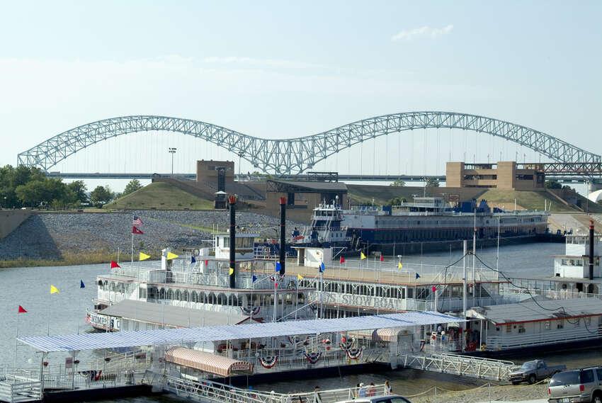 18. Memphis, Tenn. Number of Job Openings: 14,776 Population: 1,343,230 Median Base Salary: $42,000 Median Home Value: $107,000 Job Satisfaction Rating: 3.2