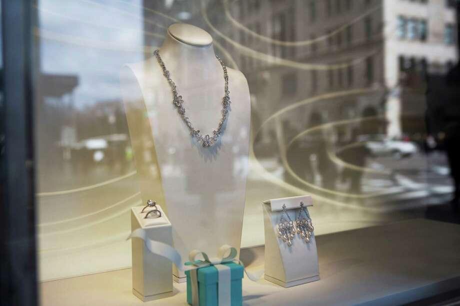Jewelry is displayed in the window of a Tiffany & Co. store on Fifth Avenue in New York, U.S., on Wednesday, March 18, 2015. Tiffany is scheduled to report fourth-quarter earnings before the open of U.S. financial markets on March 20. Photographer: Victor J. Blue/Bloomberg Photo: Victor J. Blue / © 2015 Bloomberg Finance LP