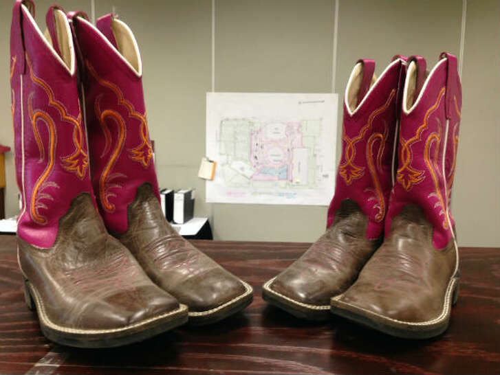 A pair of sisters must have purchased new boots this rodeo season.