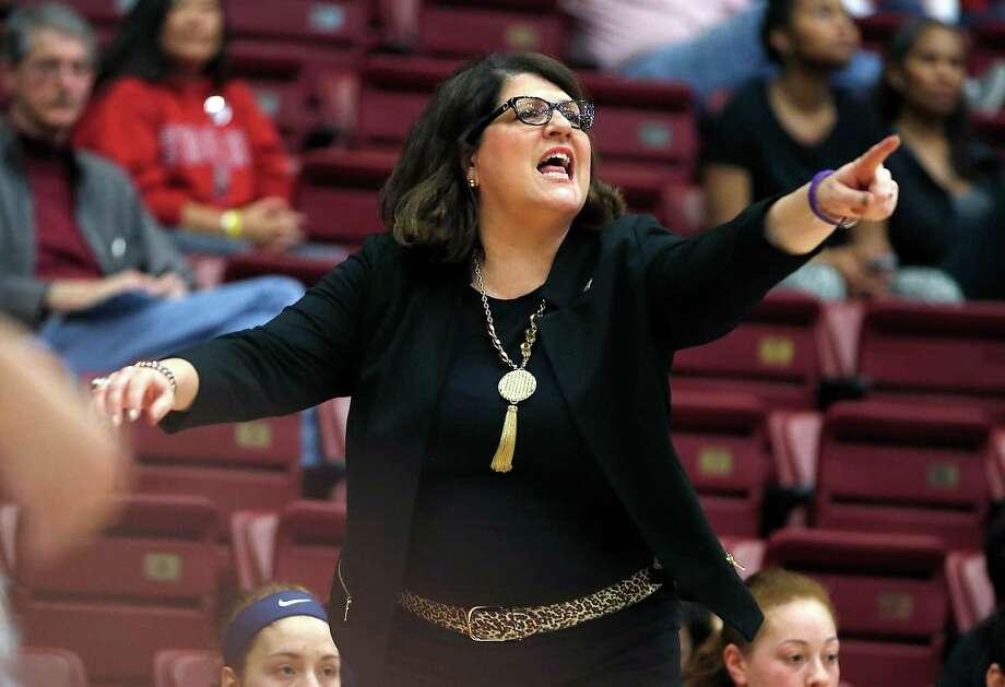 Quinnipiac head coach Tricia Fabbri yells a play to her players during the first half against Oklahoma in a women's college basketball game in the first round of the NCAA tournament in Stanford, Calif., Saturday, March 21, 2015. (AP Photo/Tony Avelar) ORG XMIT: CATA103 Photo: Tony Avelar / FR155217 AP