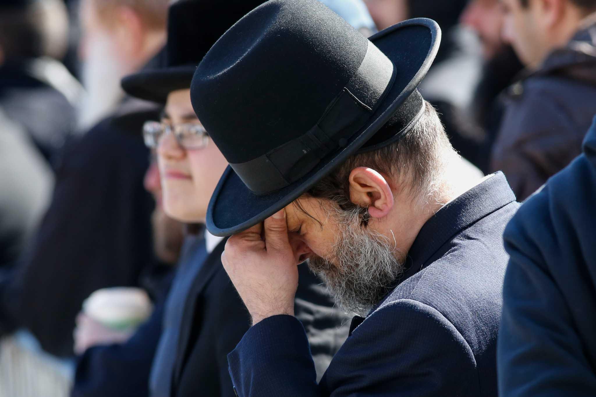 снимке, фото ушастого еврея мнение является ошибочным