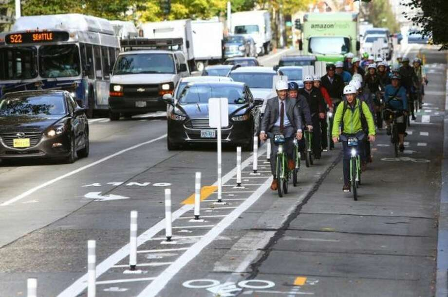 What will bike lanes look like under the proposed Bicycle Master Plan? Click through to see the current plans. Photo: Joshua Trujillo, Seattlepi.com