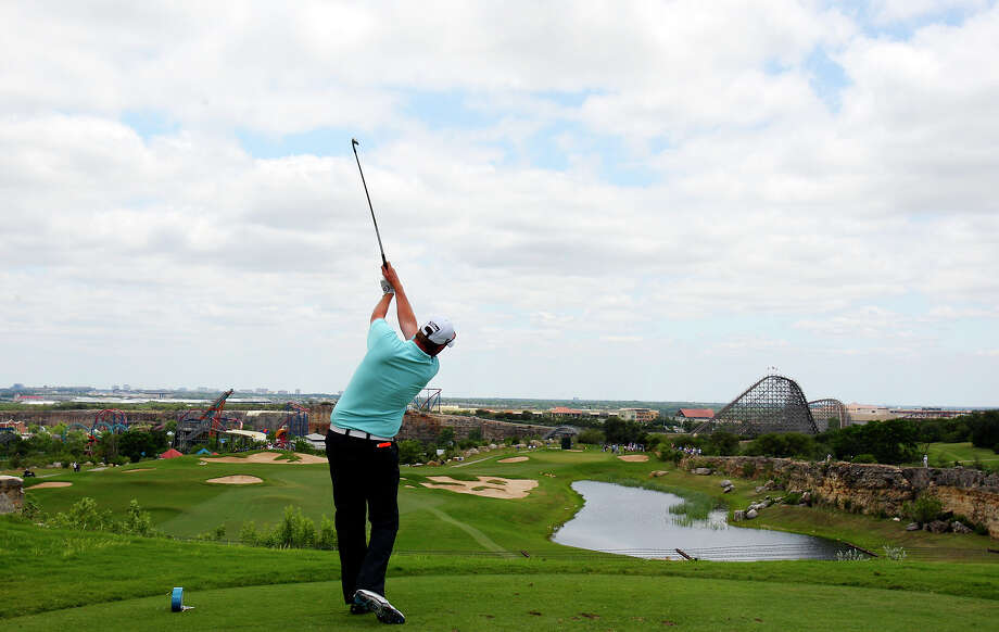 The view from the teebox at the 7th hole at La Cantera's Palmer Course. The course was ranked one of the best places to golf in Texas by Golfweek. Photo: Edward A. Orneles / San Antonio Express-News / eaornelas@express-news.net