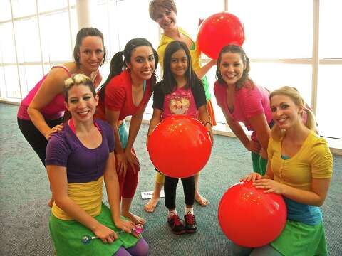 Healing Arts program brightens young patients' hospital
