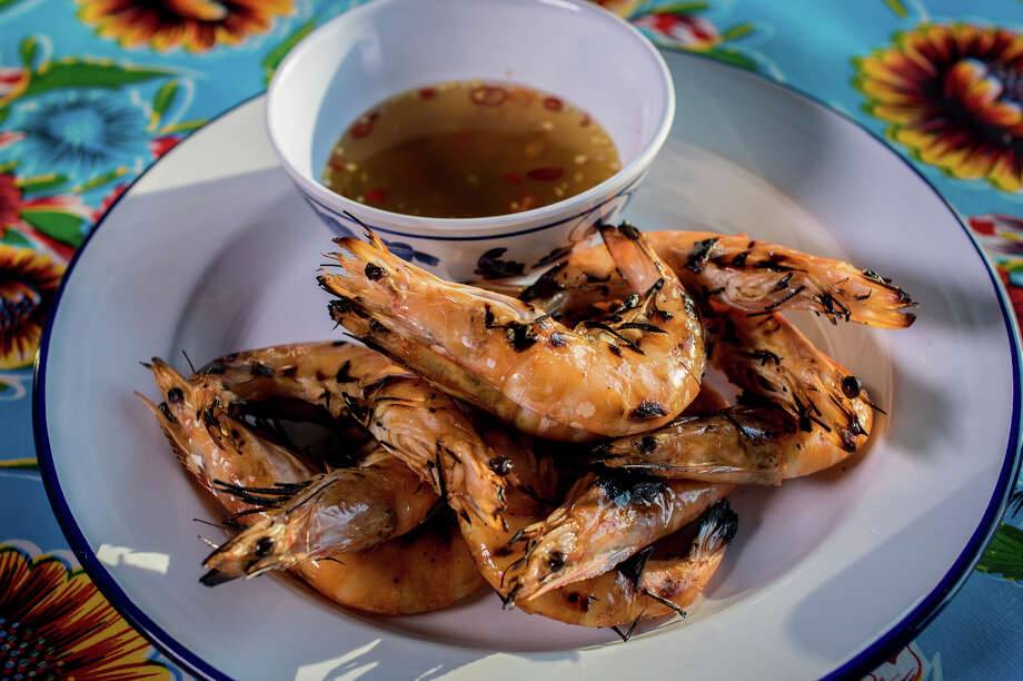 Hawker Fare's head-on shrimp. Photo: John Storey / Special To The Chronicle / ONLINE_YES
