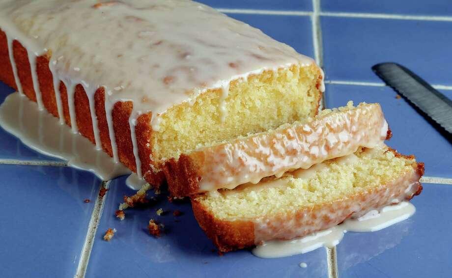 Starbucks Lemon Loaf Photo: James Nielsen /Houston Chronicle / © 2015  Houston Chronicle