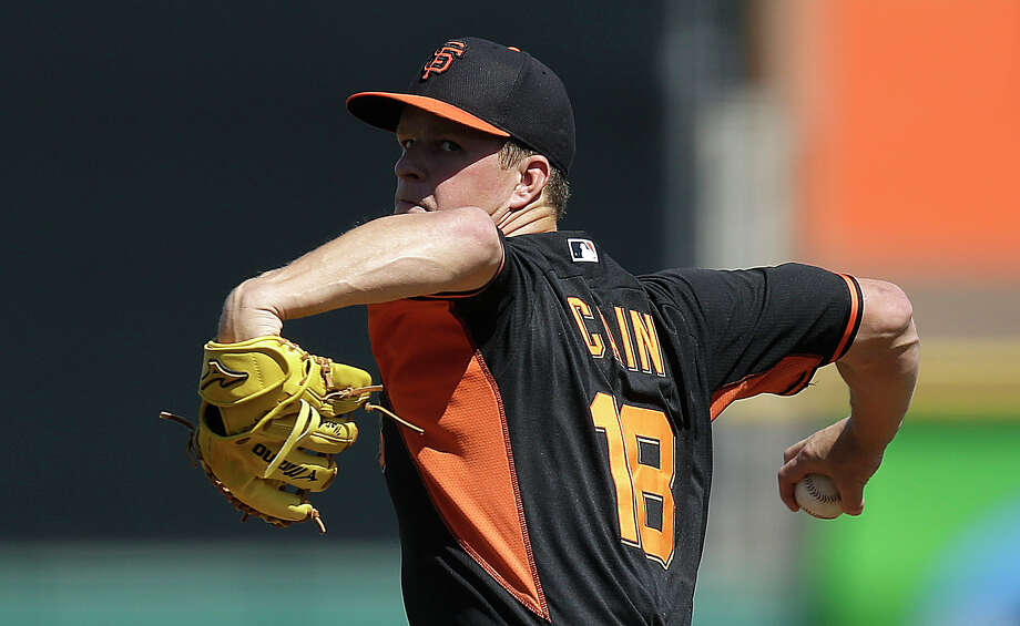 San Francisco Giants' Matt Cain works against the Los Angeles Dodgers in the first inning of a spring training exhibition baseball game Monday, March 9, 2015, in Scottsdale, Ariz. (AP Photo/Ben Margot) Photo: Ben Margot / Associated Press / AP