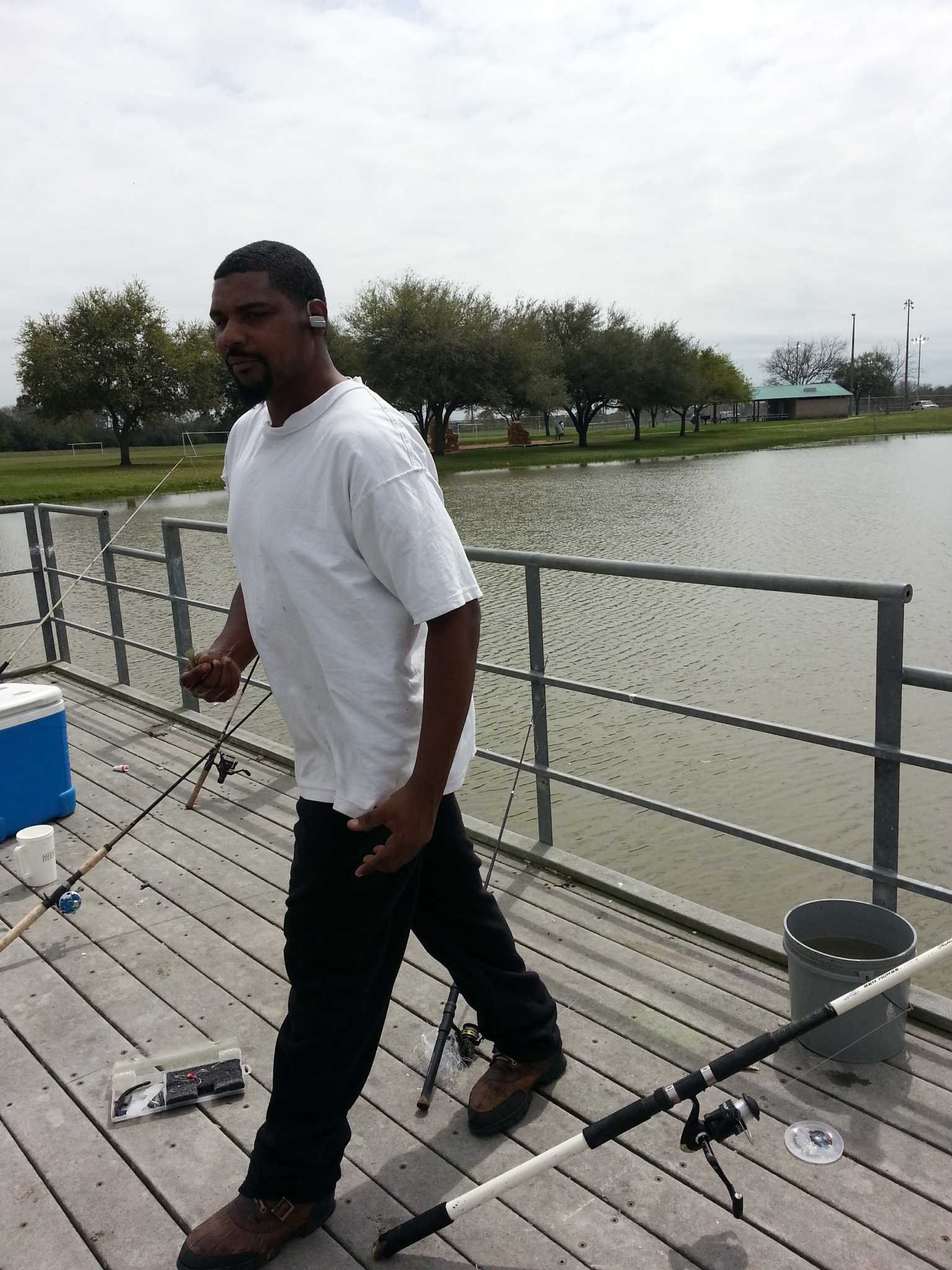 Neighborhood fishing a hit with missouri city anglers for Fishing in houston