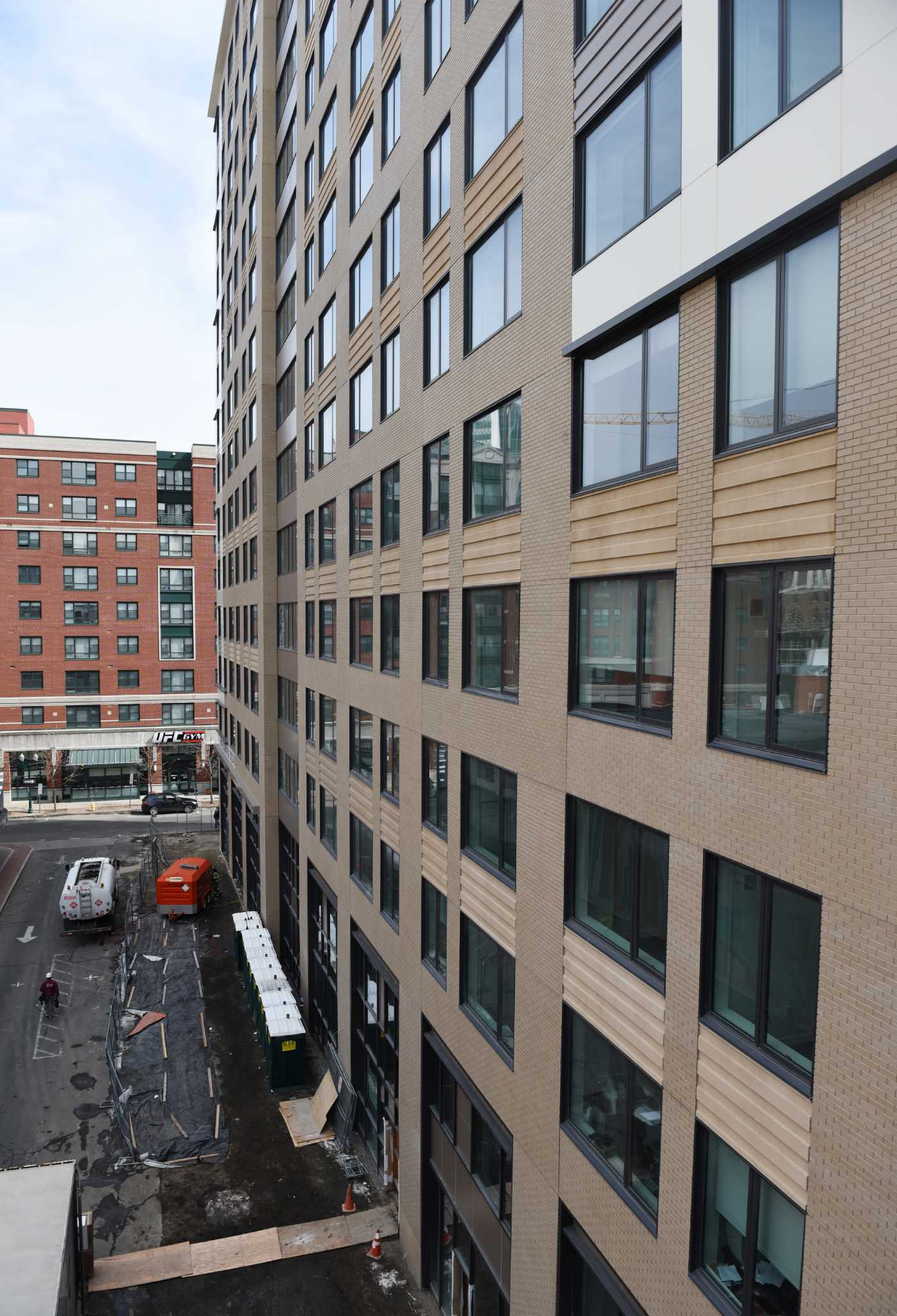 Downtown Stamford apartments sell for $100 million StamfordAdvocate