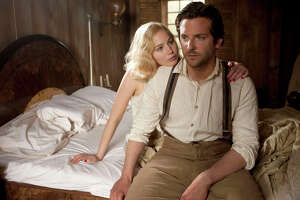 Jennifer Lawrence superb in challenging 'Serena' - Photo