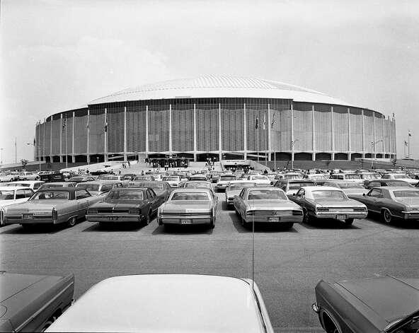Astrodome exterior Photo: Houston Post / Houston Chronicle