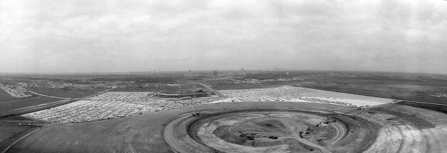 Astrodome site in foreground with Colt Stadium behind it. Looking north toward the Texas Medical Center and downtown Houston. Early 1960s. Photo: Houston Post / Houston Chronicle