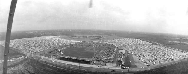 Looking south over Colt Stadium with Astrodome site behind it. Early 1960s. Photo: Houston Post / Houston Chronicle