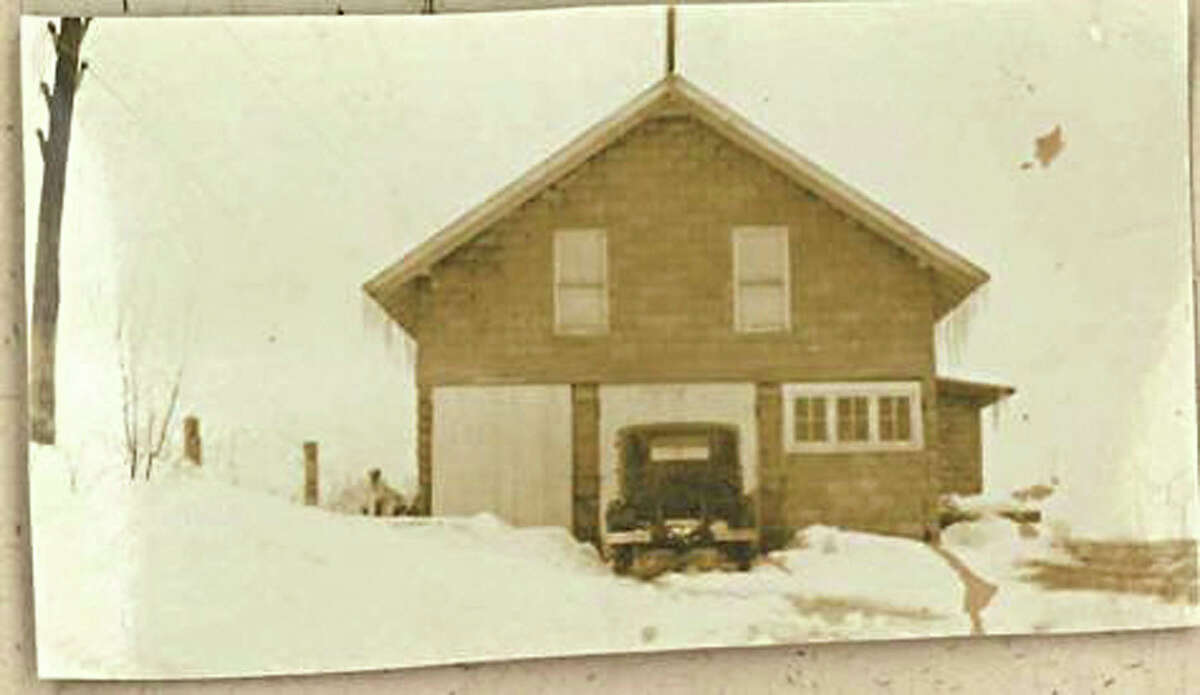 Keep clicking for more photos of Stewart's Shops through the years. 1917 - Charles V. Dake and Percy W. Dake form the first in what will become many business partnerships to buy the Dake family dairy farm near Middle Grove, NY from their father. This is the Homestead house on the Dake family dairy farm.