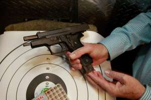 Court to review ruling to permit concealed weapons in California - Photo