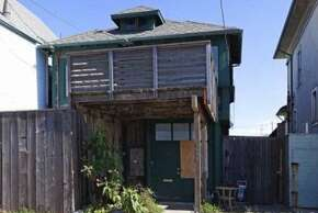 From the outside, this home in San Francisco's Outer Sunset looks totally run down.