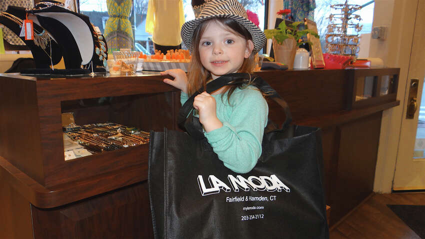 La Moda, Fairfield : The clothing store offers discounts on your birthday. www.mylamoda.com